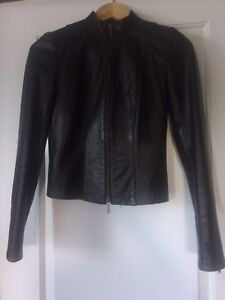 - Fitted Danier Leather Jacket-Size 3XS