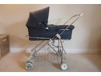 Cot + wheels. ''Bebeconfort'' Carrycot + collapsable wheels. Very good clean condition