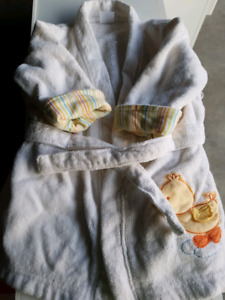 White House Coat Robe Carters 0-9 mths $4