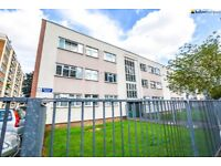 4 bedroom property with great transport links to the City!