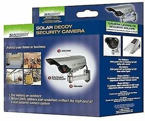SOLAR POWERED DECOY SECURITY CAMERA (NEW IN BOX)