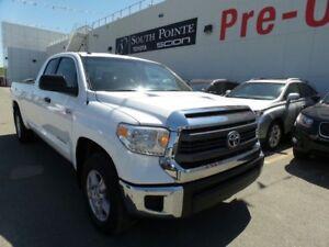 2014 Toyota Tundra SR5 | 8' Long Box | 6 Passenger | Bluetooth