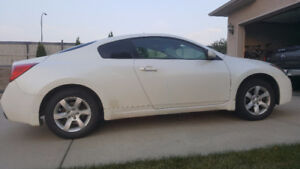 2008 Nissan Altima Coupe (2 door) | Low Miles & Leather Interior