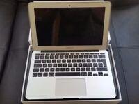 2014 Apple Macbook Air 11'' i5