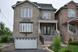 House $3750 - 4 bedroom, 5 baths - 4000 sq ft - walk to subway