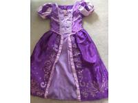 Disney Rapunzel dressing up outfit