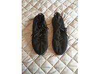 Ladies Size 6 Yeezy Style Black Trainers Brand New Unworn