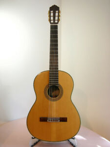 Yamaha GC 31 classical guitar