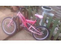 Girls muddy fox mounting bike 20 inch wheel