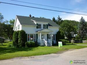 125 000$ - Maison 2 étages à vendre à Petit-Saguenay