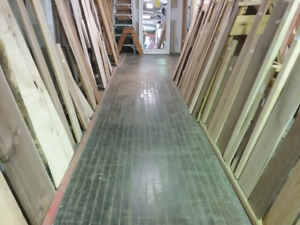 Kiln dried, liveedge wood, furniture, collectibles + 1000 booths