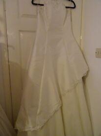 lovely white silk wedding dress size 14/16