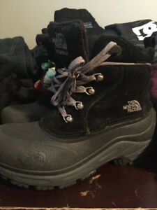 NORTH FACE Winter boots size 5