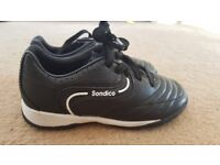 Childrens size 9 football boots