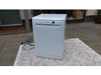 Dishwasher, Hotpoint white freestanding VGC