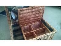 Wicker picnic basket
