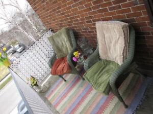 1-Bedroom Duplex w/ Amazing Private Upper & Lower Deck