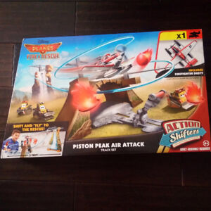 ***Disney Planes: Fire & Rescue Piston Peak Air Attack Trackset*