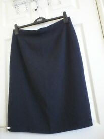 Smart black skirt,size14