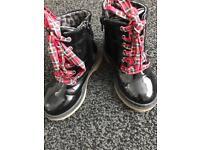 Boots kids 8