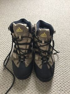 Adidas hiking boots size 8