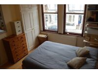 Lovely double room to rent in shared house in Manor House.