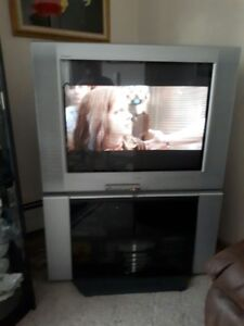 """AMAZING DEAL ON 36"""" SONY TV AND STAND!!!"""