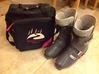 SALOMON SX71 SKI BOOTS SIZE 350-55 (Approx. UK 10) PLUS BOOT BAG