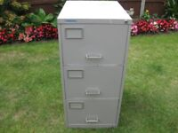 3 DRAWER METAL LOCABLE FILING CABINET