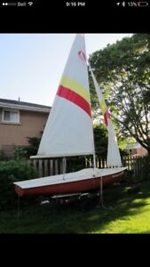 Bombardier 4.8 Sailboat (16 ft)