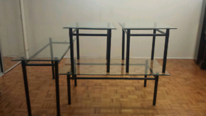 3 tables et 1 console - IKEA -3 tables and console