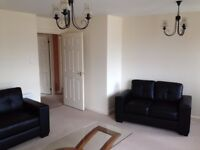 **Beautiful & Well Maintained 2 Bedroom Fully Furnished Flat. Off-Street Parking in Central Location