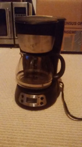ProgrammableCoffee Maker with Filter