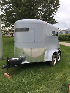 1986 express horse trailer PRICE REDUCED!!