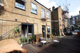 HUGE 2 Bed Warehouse Apartment Flat Hackney + Garden