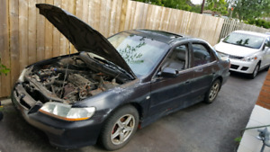 Manual 2000 Honda Accord Sedan $600.00
