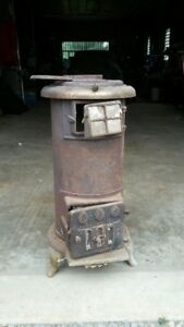 Antique Grimsby Model 4D coal/wood stove