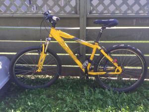 Specialized Hardrock Mountain Bike (Great for students)