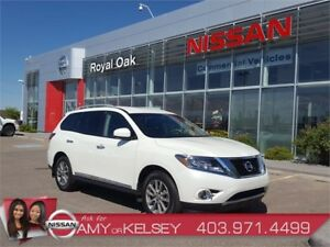 2016 Nissan Pathfinder SL 4WD **Leather/Heated Seats/Bluetooth**