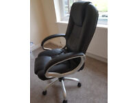 Gas lift executive office chair