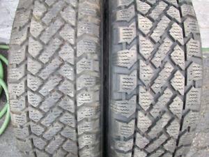 Aubaine:2 pneus d'hiver Snowtrakker