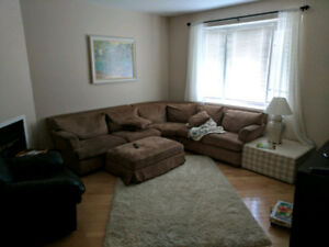 Room w/ private bath, indoor parking for rent in Beaconsfield
