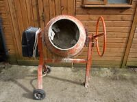 Altrad international BL135 Electric concrete mixer
