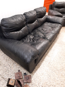 ***REAL LEATHER COUCH AND LOVE SEAT***