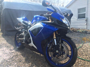 ==SUZUKI GSXR, BEAUTIFUL BIKE, EXTREMELY WELL MAINTAINED==