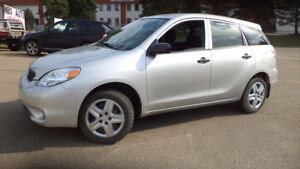 2008 MATRIX - AUTO - 4 DOOR - NEWER TIRES - ONLY 114,000KMS!!!