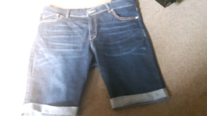 LIKE NEW LADIES SIZE 16 SHORTS HANOVER AREA