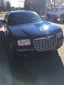 2006 CHRYSLER 300 - ** ** $3400 if picked up by Friday