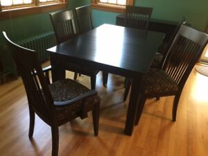 Table , 6 Chairs
