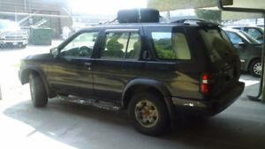 1998 Nissan Pathfinder SUV, Crossover